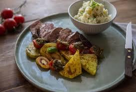 comment cuisiner panais recette de gigot d agneau panais et céleri grillés
