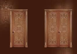 geschnitzte tür zum wohnzimmer in klassischen luxus stil