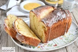 hefekuchen mit lemon curd füllung aus der kastenform