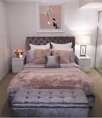 Velvet Decorated Bedroom That Gives This Room Luxurious Twist