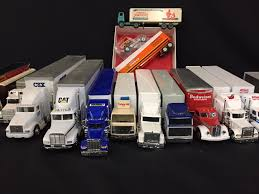 100 20 Trucks Approx Toy