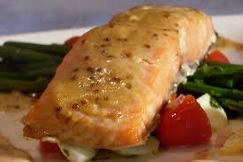 cuisiner filet de saumon filet de saumon au miel et à la moutarde recettes du québec