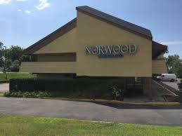 Tile Shop Burnsville Mn Hours by Norwood Inn U0026 Suites Burnsville Mn Booking Com