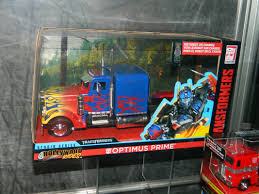 SDCC 2018 Jada Toys Large Scale Optimus Prime And Bumblebee Die-Cast ... Legendary Optimus Prime Oversized And Retooled Evasion Dsngs Sci Fi Megaverse Tf4 Transformers 4 Age Of Exnction Mode Transformers Gta5modscom Zhd The Last Knight Chivalry Childrens Truck Photo Gallery Western Star At Midamerica Optimus Prime Leader Class Video 28 Collection Of Drawing High Toy Movie Age Of Exnction 6 7038577 Robots In Dguise Legion Class Figure