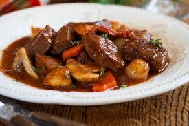 cuisiner du boeuf recette de boeuf bourguignon au thermomix la recette facile