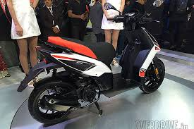 Piaggio Unveils Aprilia SR 150 Sports Scooter Bike At Auto Expo 2016