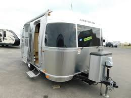 104 Airstream Flying Cloud For Sale Used 2017 19cb Rvs In Michigan Nature Me R V New Rvs Service Parts In Traverse City Mi