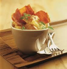 cuisiner cru 70 recettes food recette purée aux 2 pommes au reblochon et jambon cru
