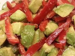 cuisiner les poivrons rouges salade d avocats au poivron