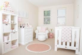 chambre bebe fille complete décoration chambre bébé en 30 idées créatives pour les murs
