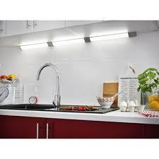 reglette cuisine avec prise eclairage cuisine et dressing leroy merlin