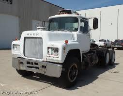 100 26 Truck 1978 Mack R686ST Semi Truck Item DV9332 SOLD July Tr
