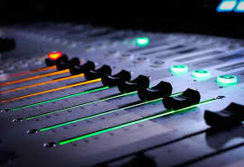 Media Design Dj Laptop Hd Walldiskpaper Dj Music Production Studio