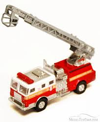 Fire Engine, Red & White - Showcasts 9921/4D - 4.75 Inch Scale ... Eds Custom 32nd Code 3 Diecast Fdny Fire Truck Seagrave Pumper W Buffalo Road Imports Washington Dc Ladder Fire Ladder Stephen Siller Tunnel To Towers 911 Commemorative Model Fire Truck Diecast Toysmith Sonic Diecast Metal Vehicle Ben Saladinos Die Cast Collection Ertl 1926 Dairy Queen 1 30 Bank Ebay Mini Trucks Toy 158 Remote Control Rc Daily Car Matchbox Freightliner M2 106 Pumper Gaz 53a Ats30 106a Scale 43 Model Car Ex Mag 164 Acmat Fptr 6x6 Engine Dx042