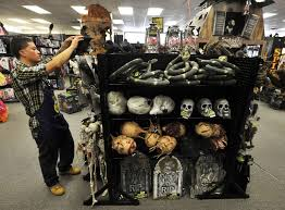 Spirit Halloween Hamden Ct by Boost Your Income With A Seasonal Job Newstimes
