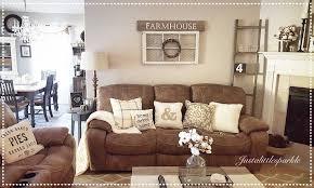 Living Roomrustic Family Room Farmhouse Ladder