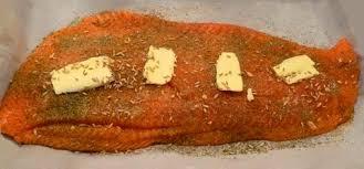 cuisiner filet de saumon filet de saumon au four ou au barbecue simple et tendre dans
