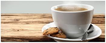 glasbild heiße tasse kaffee mit kaffeebohnen 50 x 125 cm
