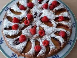 nektarinen nuss kuchen mit himbeeren
