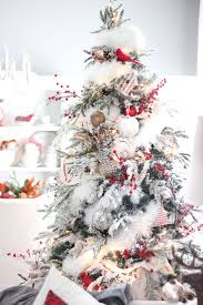 Flocked Christmas Trees Uk by The 25 Best White Christmas Tree Decorations Ideas On Pinterest