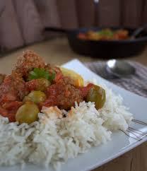 cuisiner la viande tajine boulettes de viande hachée et olives kefta be zitoune