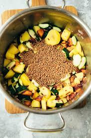 leckere linsensuppe für jeden tag 30 minuten vegane vibes