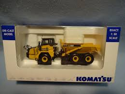 100 Articulating Truck This Die Cast Model Komatsu HM250 Articulated Dump With Three