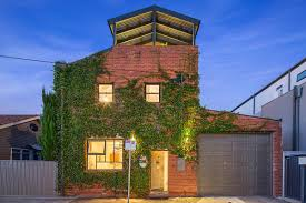 100 Warehouse Living Melbourne Old In Turned Into A Modern Green Haven