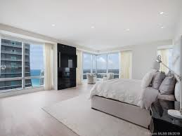 100 Four Seasons Miami Gym 1425 Brickell Ave 52bc FL Lite Real Estate WorldWide