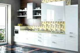 cuisine blanche mur taupe peinture cuisine meuble blanc peinture pour cuisine blanche peinture