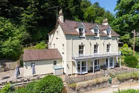 100 Tree Houses With Hot Tubs Holly House SelfCatering Accommodation In Symonds Yat Big
