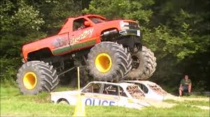Grizzly Monster Truck Drive - East Grinstead - YouTube
