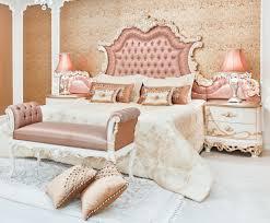 casa padrino luxus barock schlafzimmer set rosa weiß creme kupferfarben 1 doppelbett mit kopfteil 2 nachttische 1 sitzbank barock