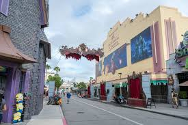 Halloween Horror Nights Express Pass by Halloween Horror Nights 2017 U2013 Complete Insider U0027s Guide