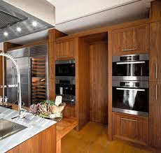 cuisine contemporaine bois massif cuisine contemporaine en inox en bois massif en bois