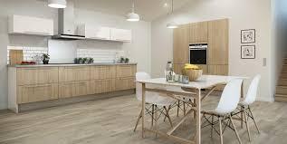 cuisine blanche et plan de travail bois plan de travail et crédence des idées pour les associer