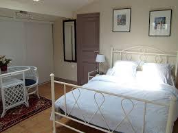 chambre blanc et taupe chambre taupe blanc idées de décoration capreol us