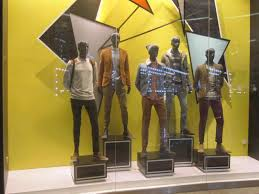 Displays Mccartney London Kids Retail S Gorgeous Display Ideas Clothes So Clothing Store Window