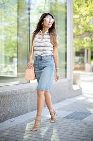 these denim skirt will make you become a headturner just