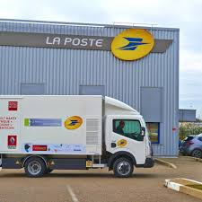 Renault Trucks Corporate - Press Releases : The French Post Office ... Usps Mail Truck Stock Photos Images Alamy Post Office Buxmontnewscom Indianapolis Circa May 2017 Usps Trucks July The Berkeley Post Office Prosters Cleared Out In Early Morning Raid Other Makes Vintage Step Vans Pinterest Says It Will Try To Salvage Some Mail After Fire Local Truck New York Usa Us Vehicle Photo Charlottebased Spartan Motors Will Build Cargo Vehicles For Postal Trucks Hog Parking Spots Murray Hill February