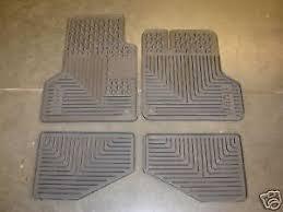 Jeep Jk Floor Mats by Jeep Wrangler 04 06 Dark Khaki Rubber Slush Floor Mats New Oem