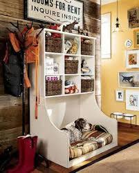 Wooden Designer Shelf Pet Society by