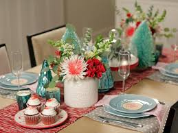 Christmas Centerpieces For Dining Room Tables by 2 Simple Holiday Table Settings Hgtv Crafternoon Hgtv