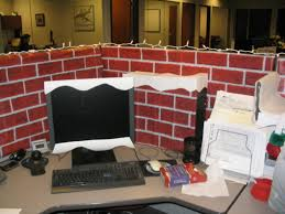 Cubicle Holiday Decorating Themes by Simple Office Desk Decoration Theme Business Decorating Themes