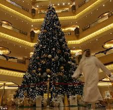 Mr Jingles Christmas Trees Los Angeles Ca by 7m Christmas Tree Abu Dhabi Emirates Palace Hotel Unveils Fir