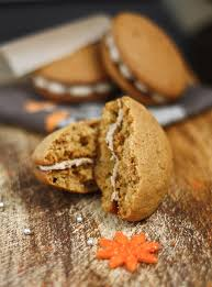 Pumpkin Whoopie Pies With Maple Spice Filling by 25 Whoopie Pies