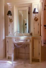 good looking makeup vanity table with lightsin bathroom