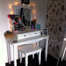 Vanity Table With Lighted Mirror Canada by Wonderful Theme Of Vanity Makeup Table With Lights