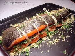 comment cuisiner un saumon entier saumon farci aux amandes péché de gourmandise