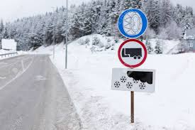 100 Snow Chains For Trucks A Road Sign Warning About The Need To Use And